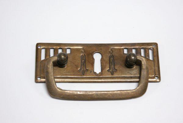 Meubelgreep jugendstil met sleutelgat