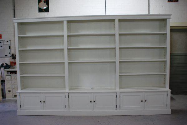 Boekenkast op maat wit