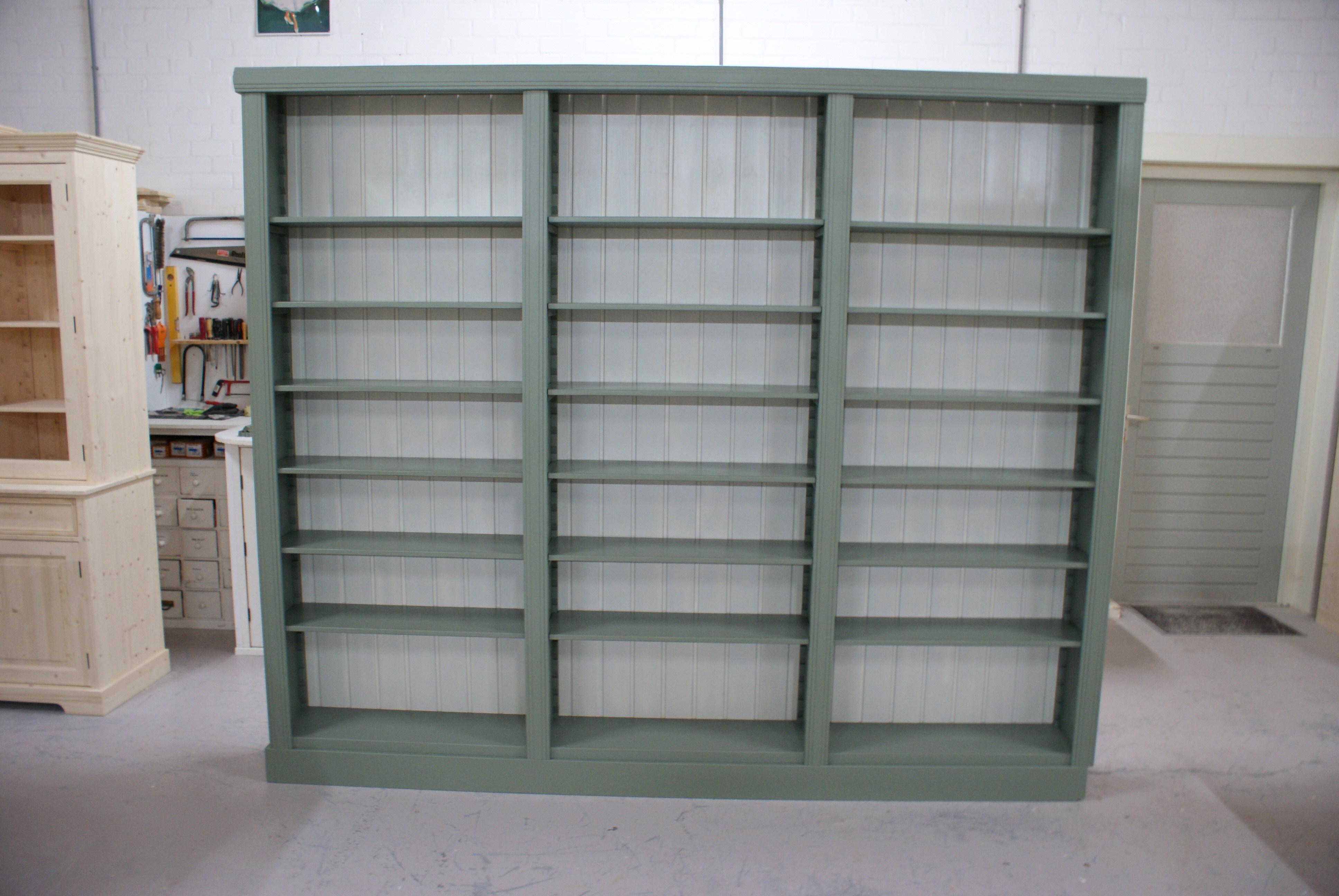 Grenen boekenkast nodig? Boekenkasten op maat vindt u hier!