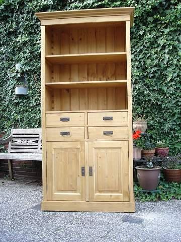 grenen boekenkast Delft