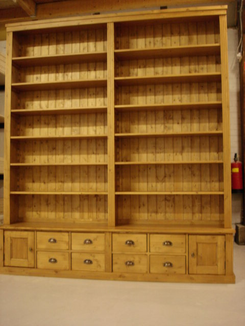 grenen boekenkast Waddinxveen