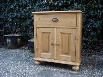 grenen commode klein