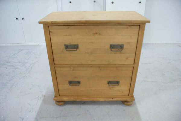 Lage grenen commode