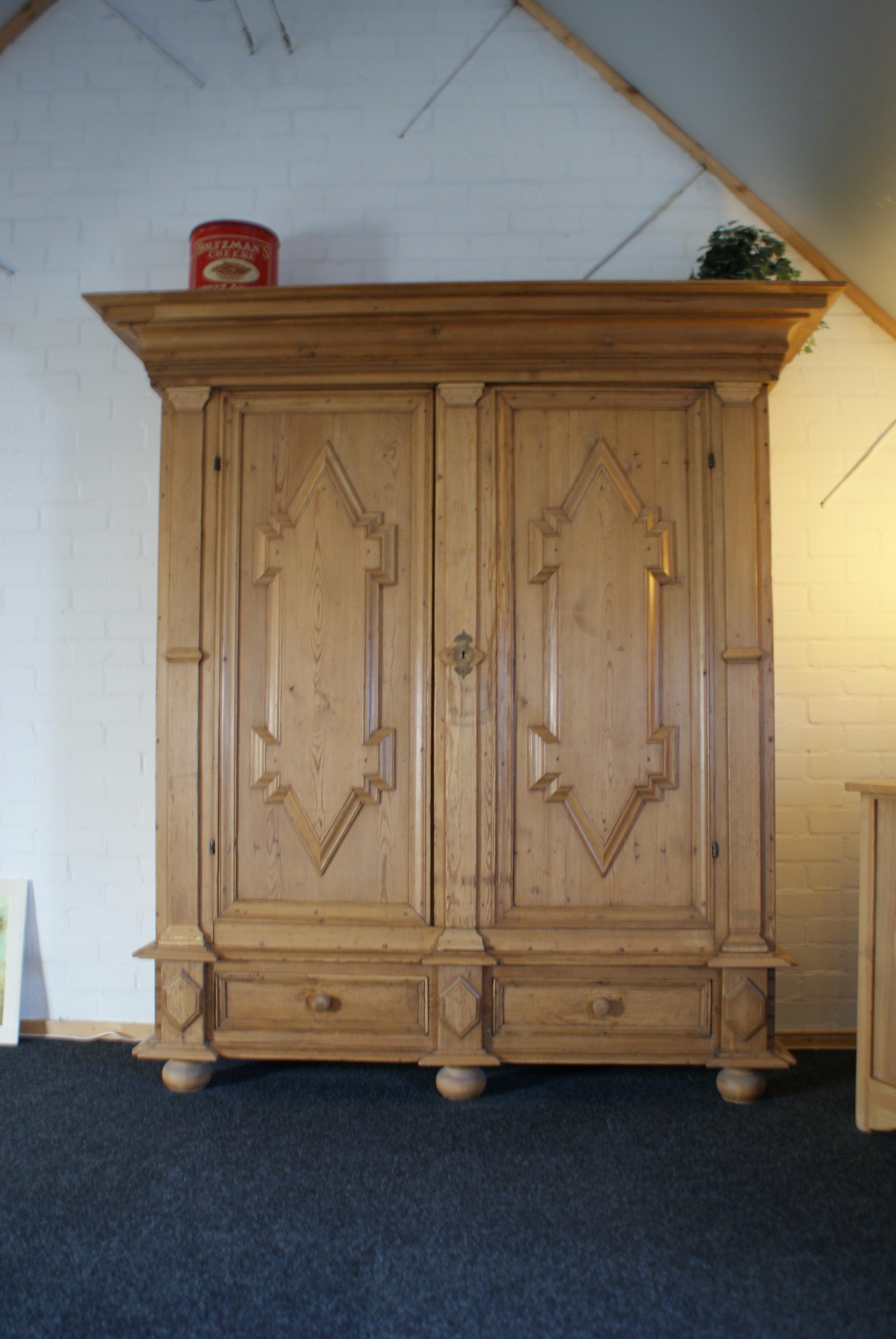 Antiek grenen barok kast showroom meubelmakerij grenenhoeve - Kast kind grenen ...