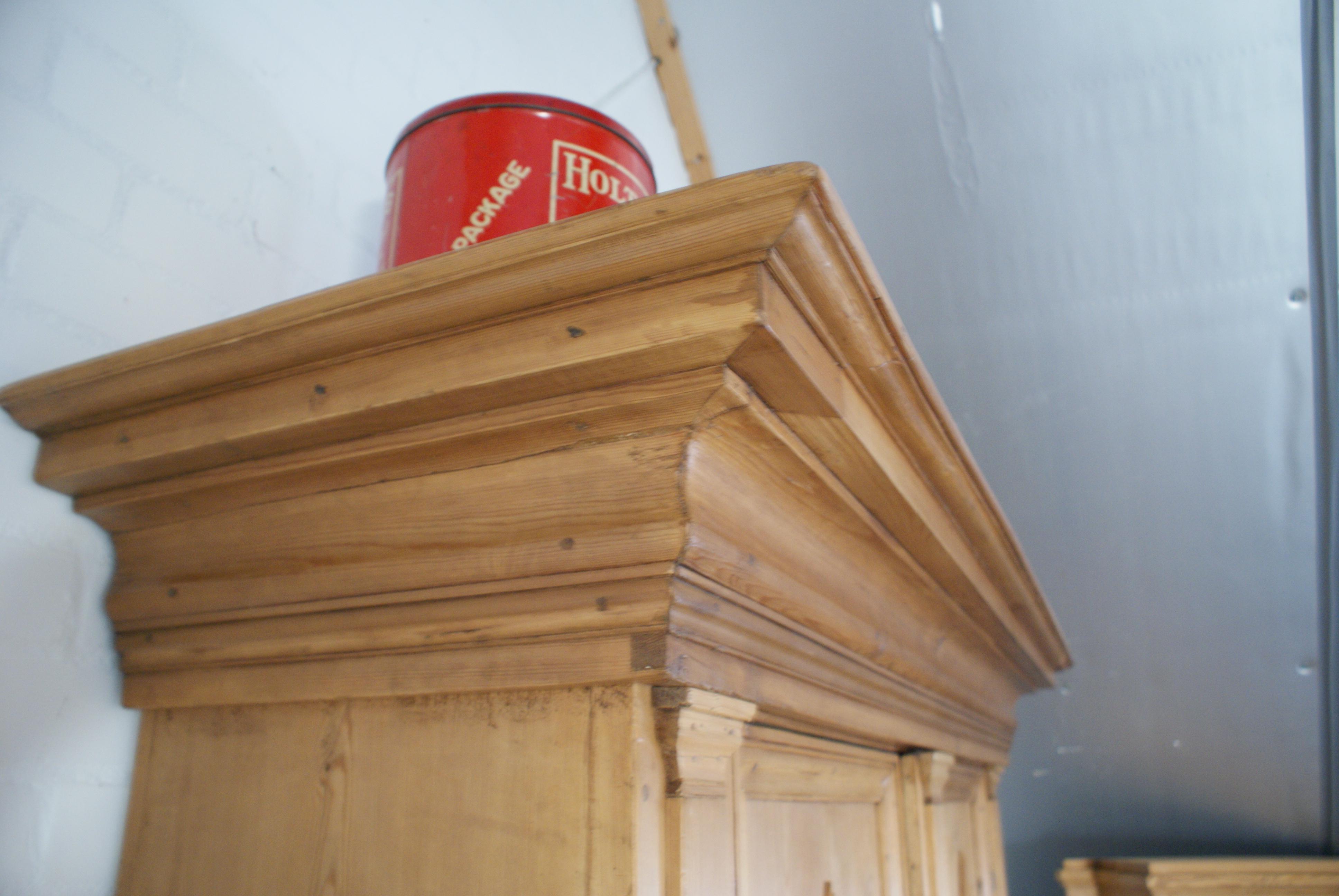 Antiek Grenen Kast : Antiek grenen barok kast showroom meubelmakerij grenenhoeve