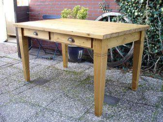 grenen tafel laden