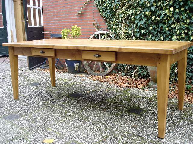 grote grenen tafel