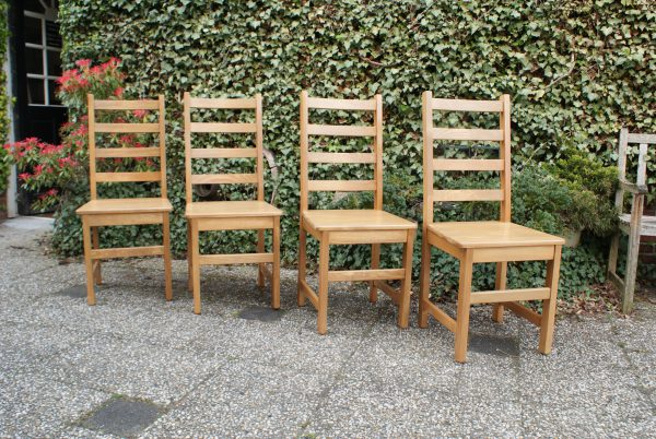 grenen stoelen eindhoven