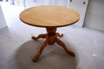 grenen kolompoot tafel mat lak